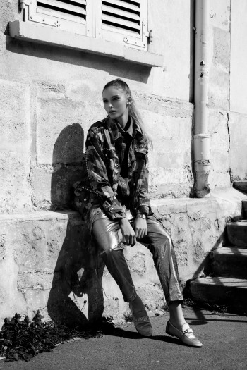 Alex Fadel photographe de mode Paris Pantheon, Chemise Seafarer, veste Michael Kors, pantalon Brunello Cucinelli, montre Murat, chaussures Giuseppe Zanotti Design