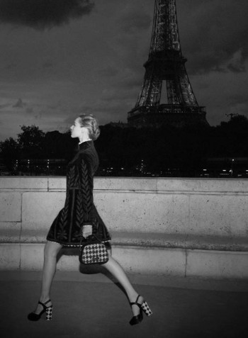 fashion-editorial-picture-tour-eiffel-paris-by-night