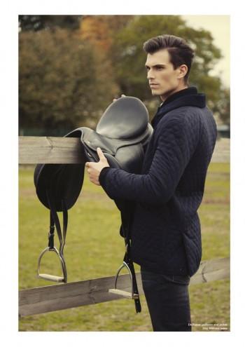 Alex Fadel photographe de mode Paris, veste et pull De Fursac, jeans dior Homme