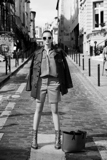 Alex Fadel photographe de mode Paris, chemise Michael Kors, short J.Crew, boots Christian Louboutin, veste Zadig et Voltaire, lunettes Stella McCartney, sac Abercy