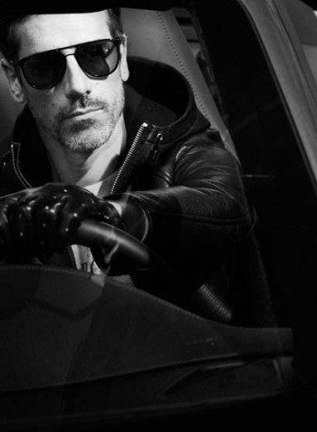 photo-editorial-mode-luxe-homme-paris-porsche-911-carrera